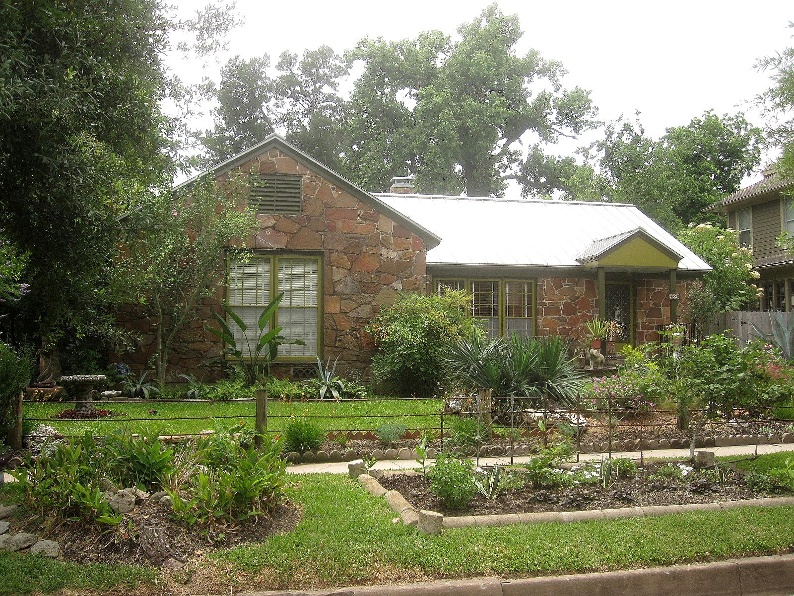 The other houston types of bungalows for Bungalow roof styles