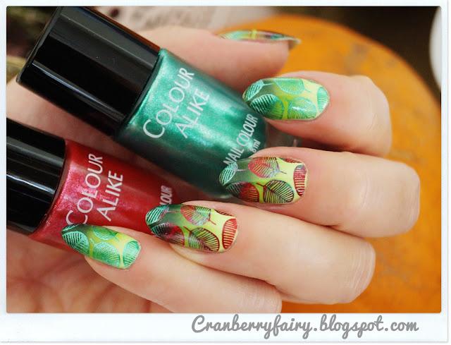 liście na paznokciach