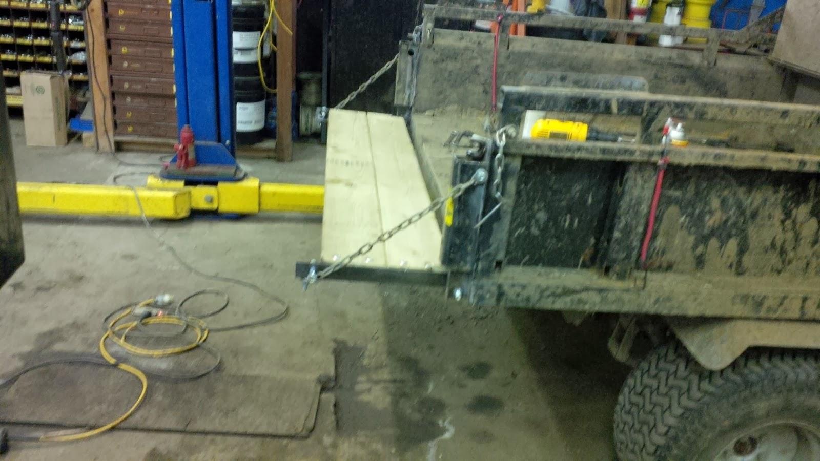 Dump Bed Tailgate Hinge Removable Pin : Bobs shop cushman tailgate mod