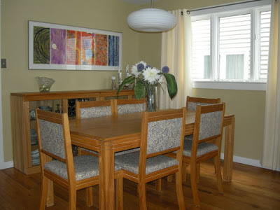 arranging dining room furniture