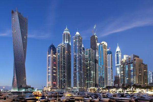 Dubai Resmikan Menara Memutar Tertinggi di Dunia | coba-liat