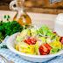 Arabska sałatka z pomidorem i ogórkiem