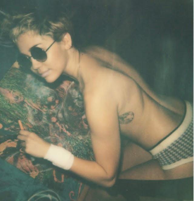 Fotos en topless Miley Cyrus V Magazine
