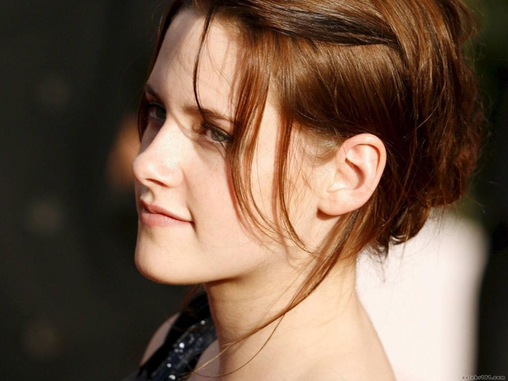 http://2.bp.blogspot.com/-PKmhJ-628r8/T4UKCWBM3DI/AAAAAAAAPyg/eyowBLzoGsw/s1600/Kristen_Stewart_Wallpaper+(18).jpg
