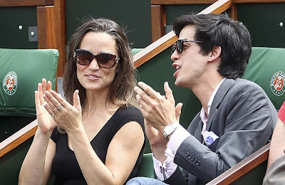 pippa middleton and friends at the french open pic pacificcoastnews 344806500 Pippa Middleton looks ace in daring top at French Open