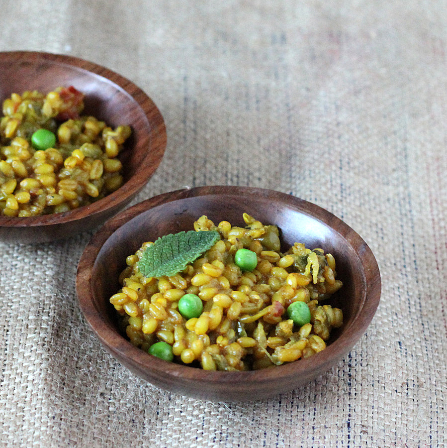 Wheat Berry Pilaf with red bell pepper, onion, peas. vegan recipe ...