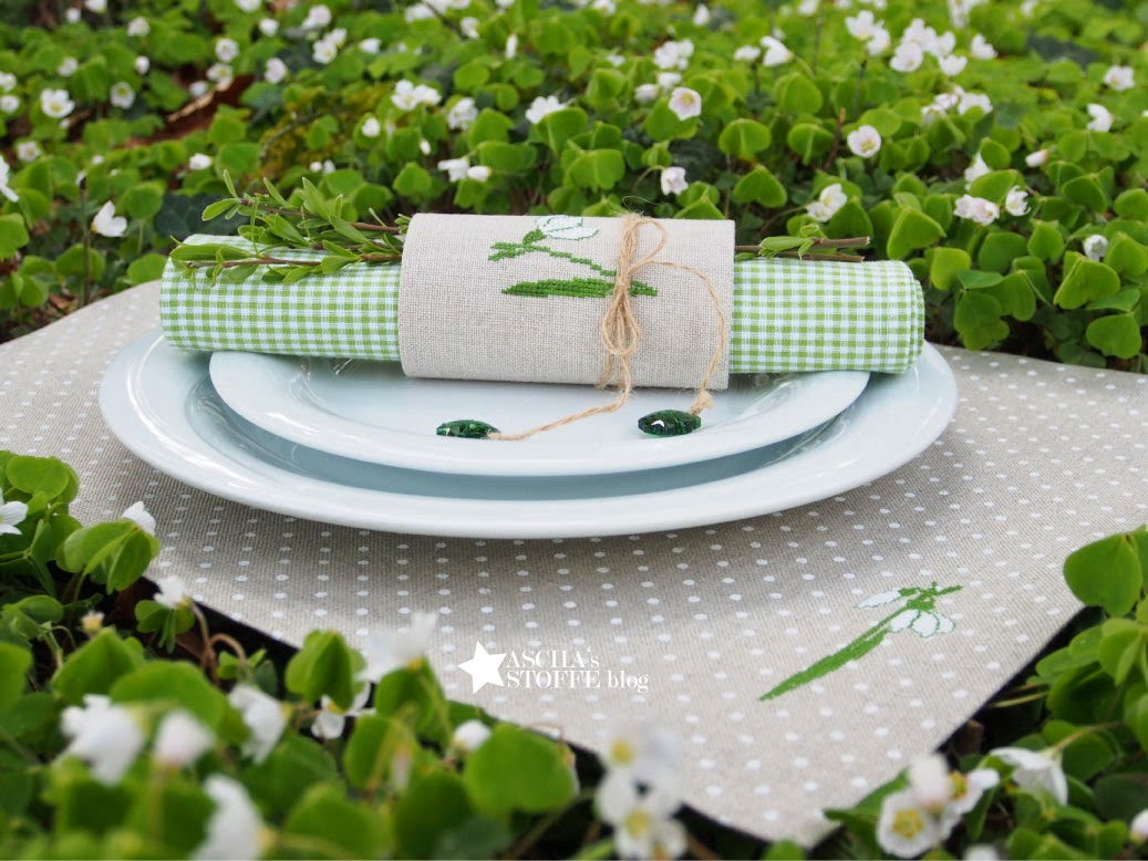 napkin setting ideas spring
