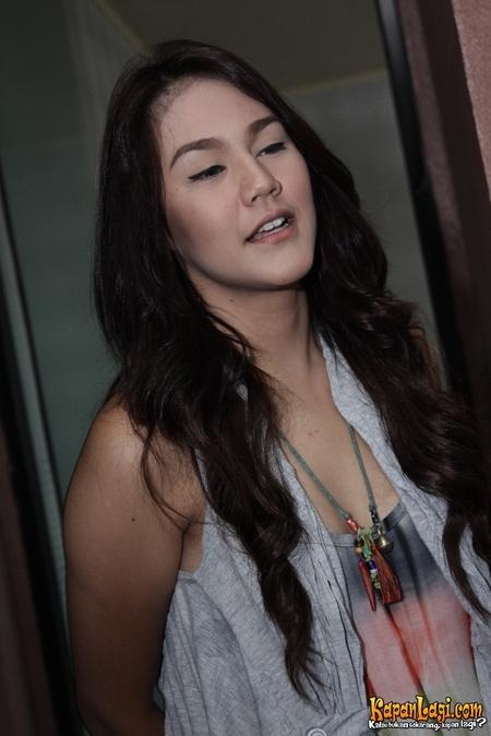 Lyssies Priscillia Lahir Di Jakarta  Adalah Model Dan Pemeran Indonesia