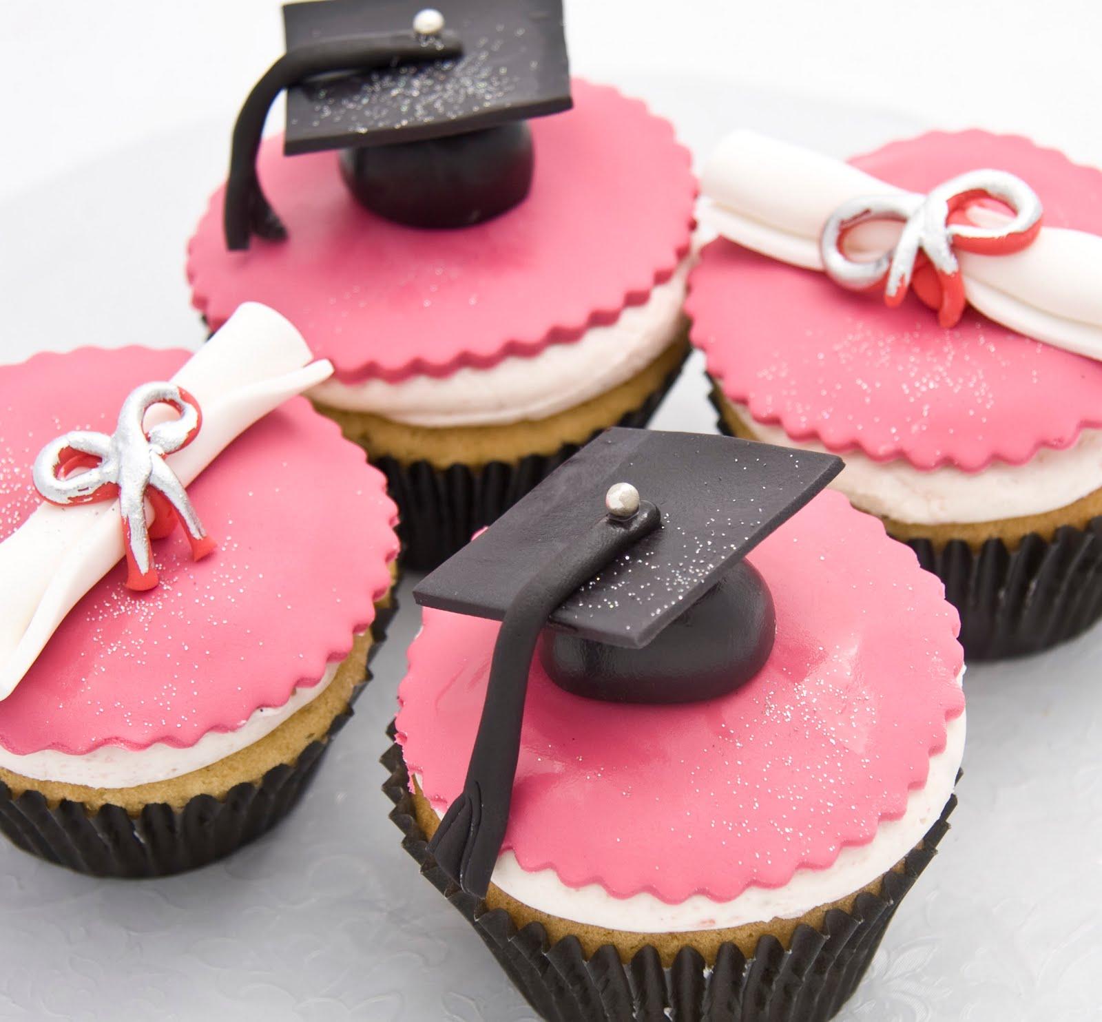 The Crimson Cake Blog: Graduation Cupcakes