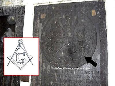 RESENSI DAN TINJAUAN KRITIS TERHADAP NOVEL THE JACATRA SECRET Lambang-freemason-di-musium-prasasti2