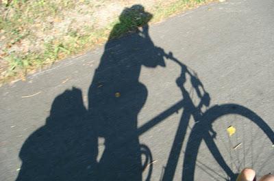 autofotografía sobre la marcha y con sombrero ciclista