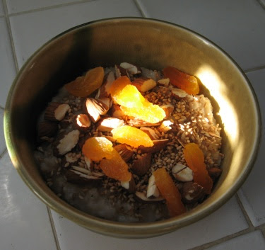 oatmeal with apricots almonds and sesame seeds