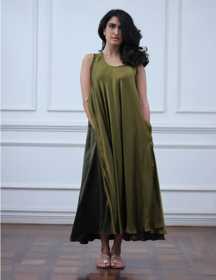 http://glamorouspk.com/styles-dresses/casual-dresses/party-wears/misha-lakhanis-debut-collection-2012-women