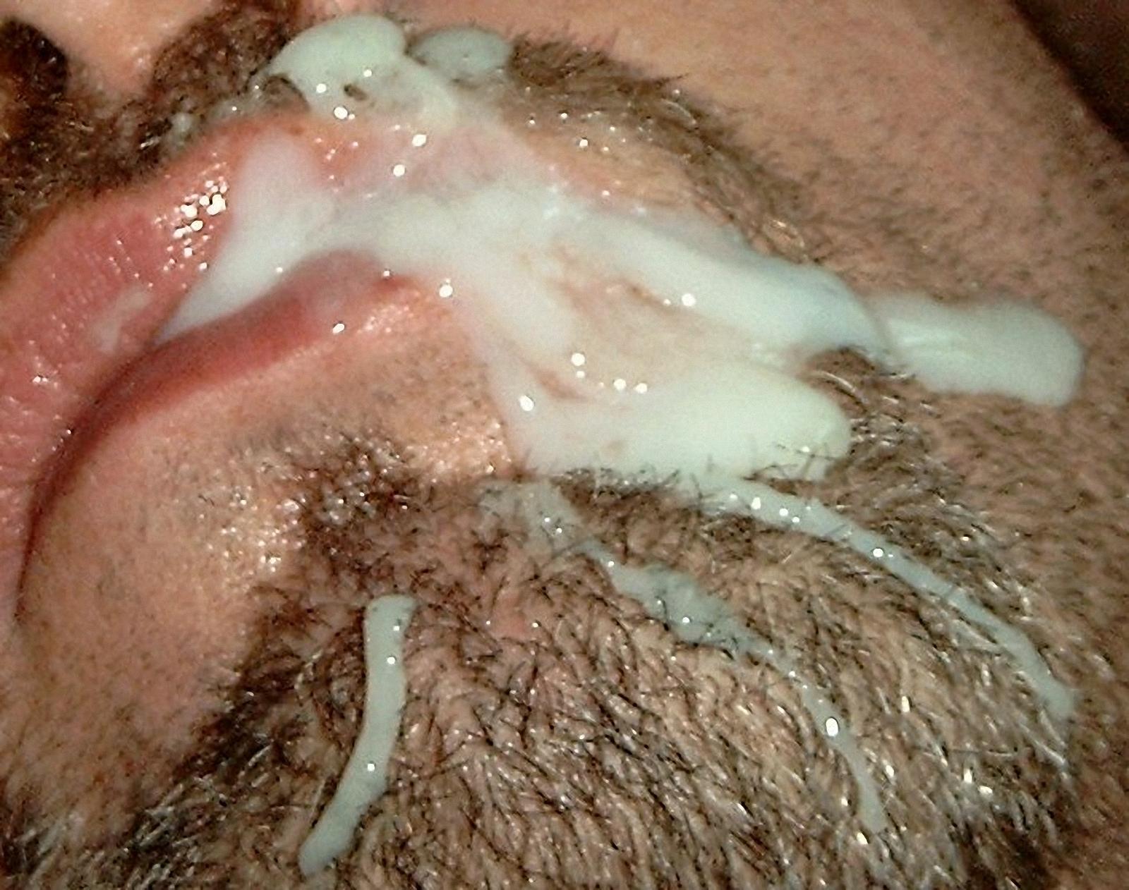 Парня сперма на лице
