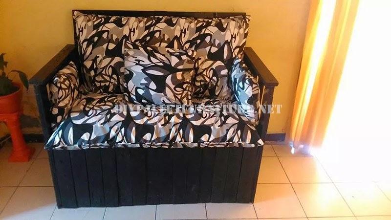 mueblesdepalets.net: sofá construido con una caja de madera reciclada - Imagenes De Armarios Hecho Con Cajas Recicladas