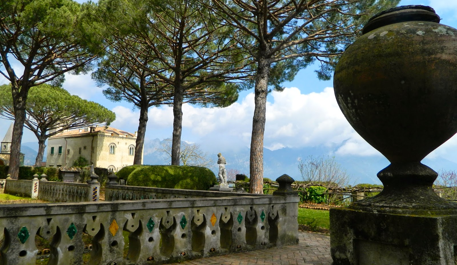 Gardenenvy Villa Cimbrone Rocks A View