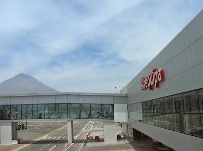 Aeropuerto de Arequipa, Perú, La vuelta al mundo de Asun y Ricardo, round the world, mundoporlibre.com