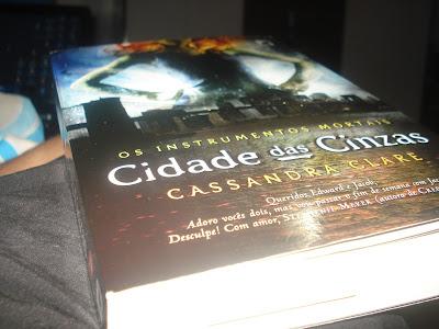 RESENHA: Cidade das Cinzas - Cassandra Clare