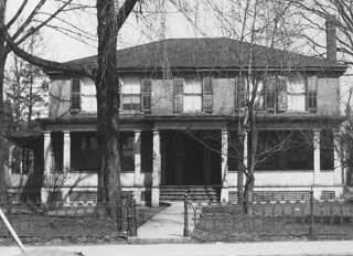 The old Kerr house on King Street West, built in 1816. Source: OurOntario.ca