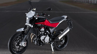 Husqvarna Nuda 900R Receives the 2012 Good Design Award