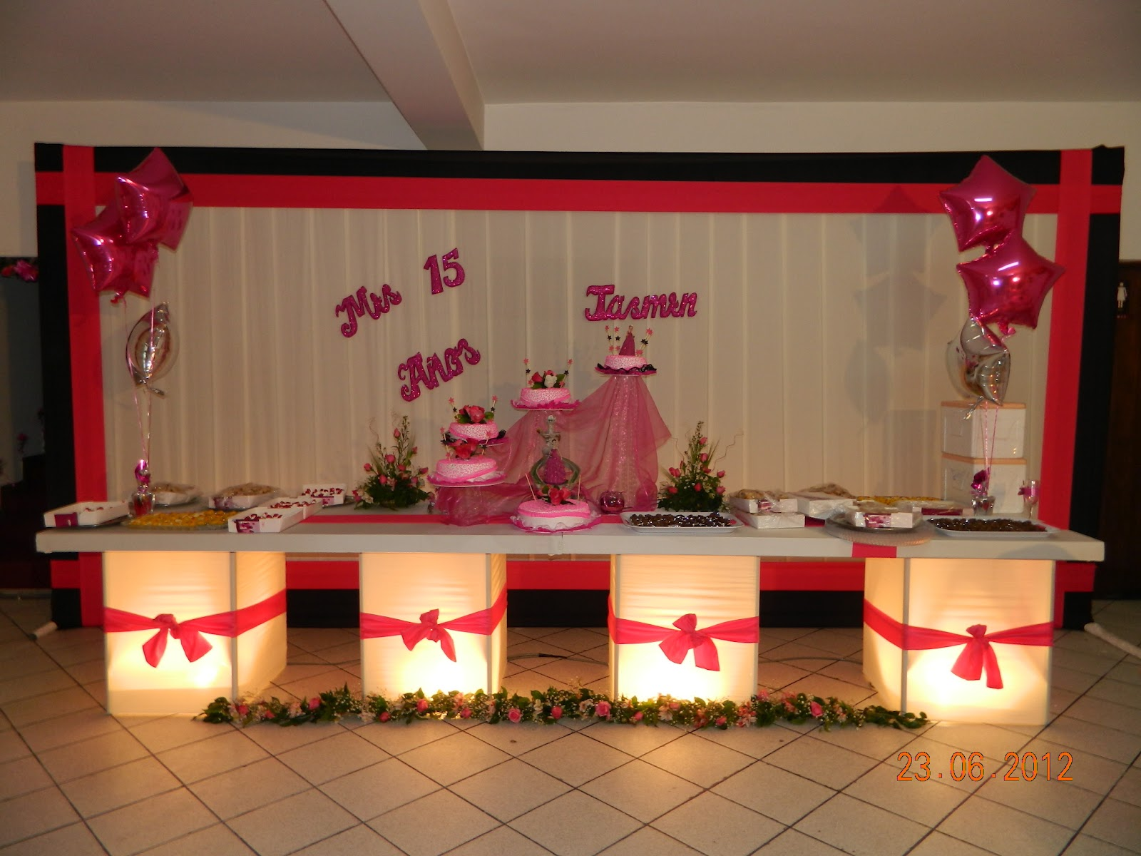 Decoraciones para mesas de quinceaneras auto design tech - Decoracion de salon ...
