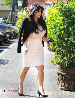 Kim Kardashian Pictures in Stylish Short Dress in Los Angeles ~ Celebs Next