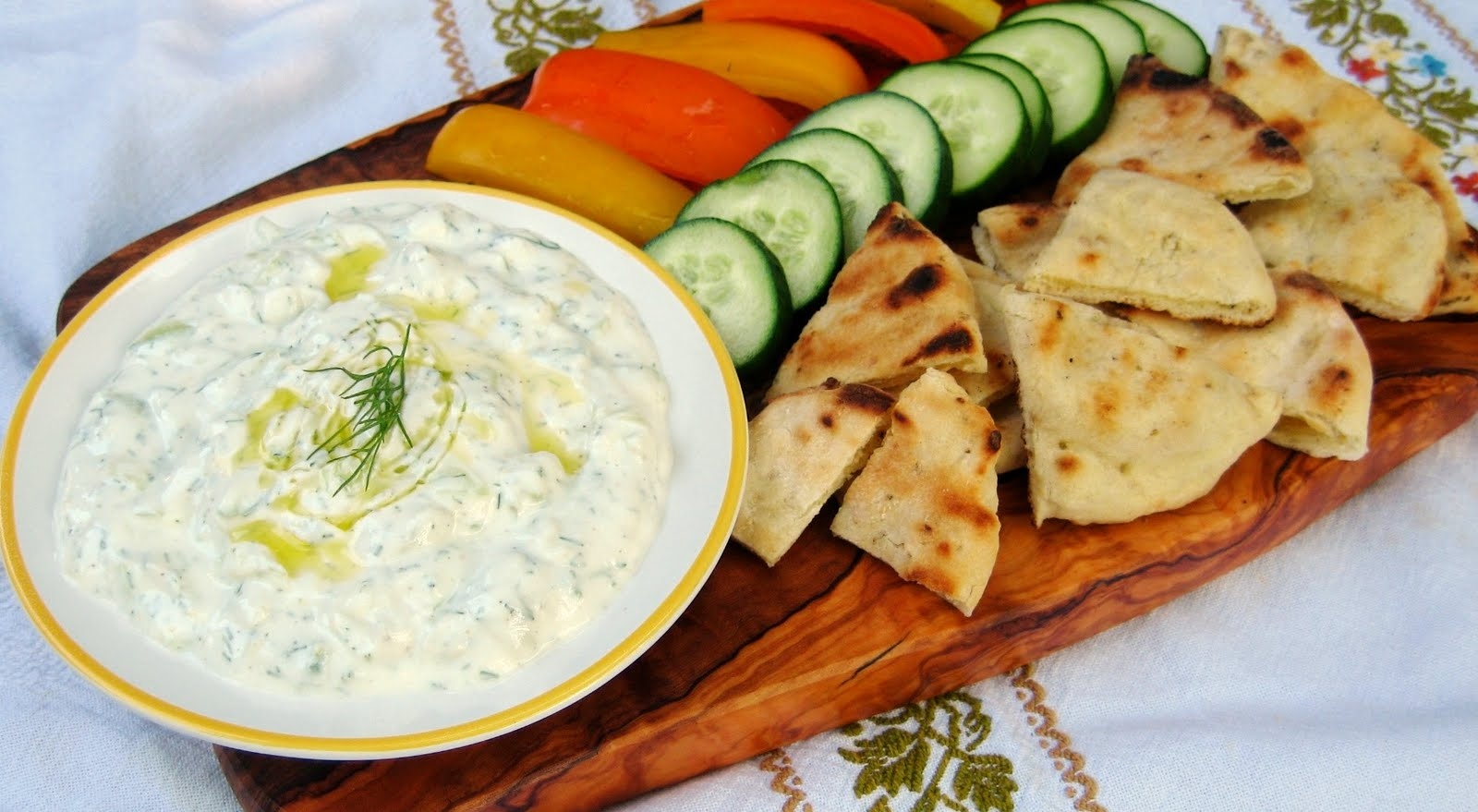 The Sensitive Epicure: Tzatziki (cucumber yogurt dip)