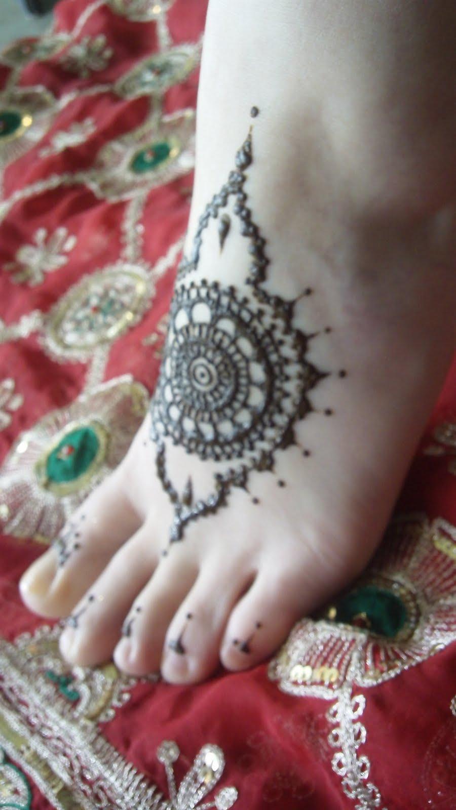 Bridal Mehndi Charges : Bridal mehndi desings latest pakistani