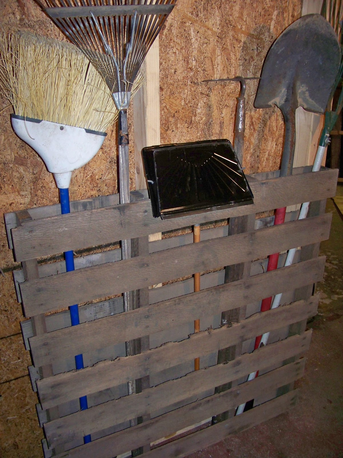 How to recycle creative things to make on recycled wood Pallet ideas