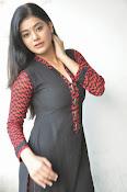 Yamini bhaskar glam pics-thumbnail-2