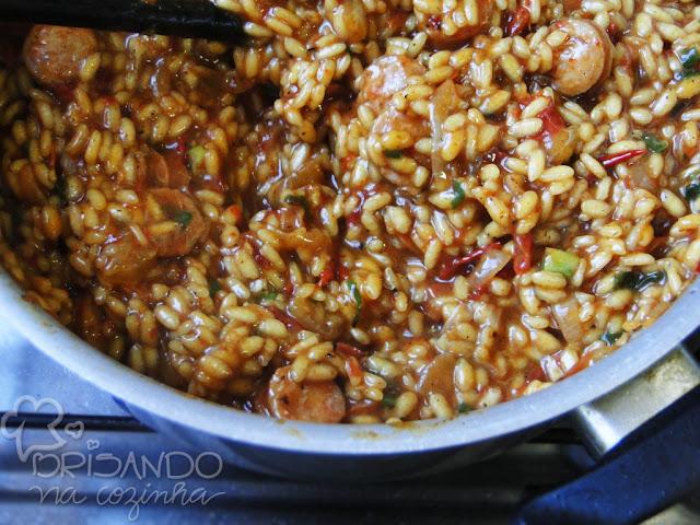 http://www.brisandonacozinha.com/2012/11/risoto-de-calabresa-tomate-seco-e.html