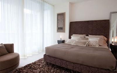 Dormitorios marron y blanco decorar tu habitaci n - Habitacion marron ...