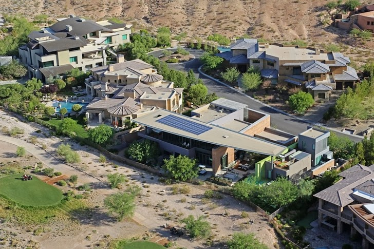 Multimillion modern dream home in Las Vegas from the air