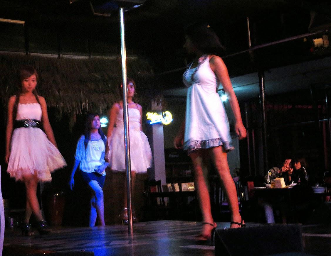 Yangon show girls (2)