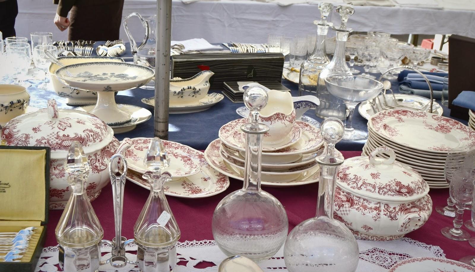 vajillas y objetos vintage para la mesa