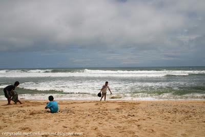 Hamparan Pasir Pantai Sundak