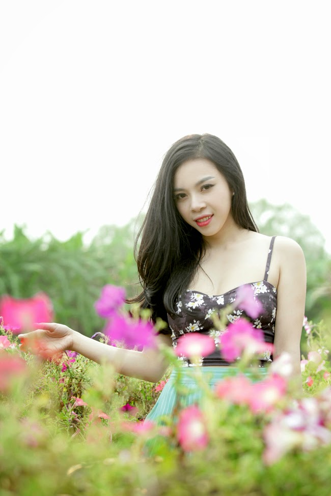 Gentle beauty of Hot Girl Linh Bui