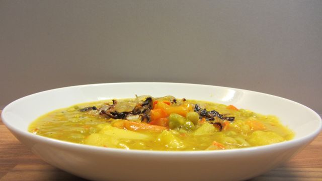 die vegankocherin erbsen k rbis suppe mit verbratenen zwiebeln. Black Bedroom Furniture Sets. Home Design Ideas