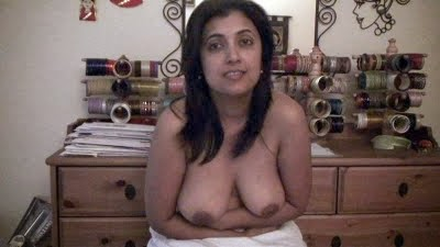 Pakistani-Aunty-Without-Bra