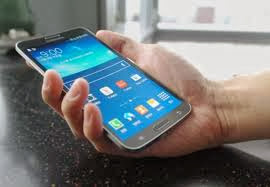 Samsung Galaxy Round-first curved display smartphone