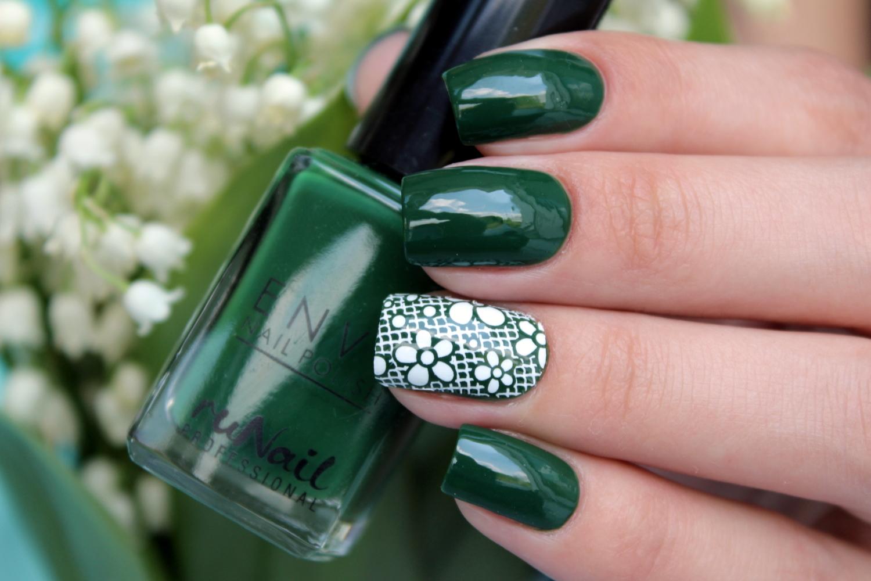 маникюр в зеленом цвете фото