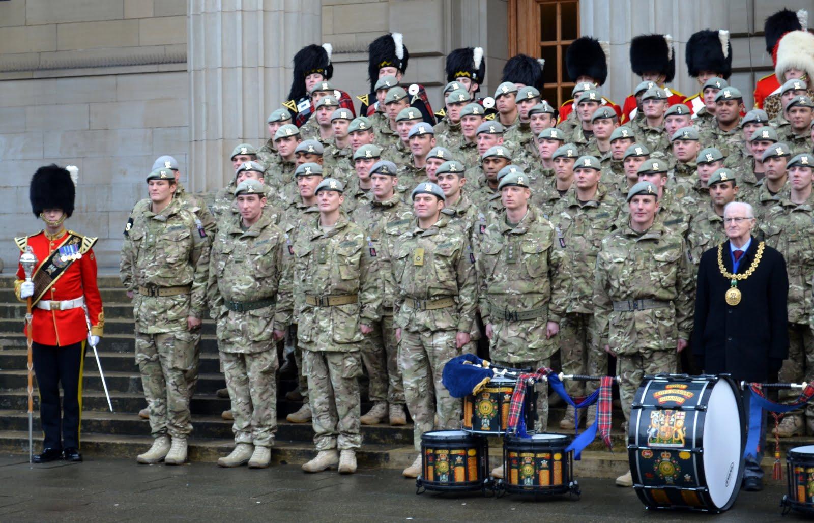 http://2.bp.blogspot.com/-PQ6BG3cEk1g/TtUxtZPhCAI/AAAAAAAAr1k/XY_Cb8cGvhk/s1600/Tour+Scotland+Photograph+Royal+Scots+Dragoon+Guards+And+Lord+Provost+City+Square+Dundee+Scotland+November+29th.jpg