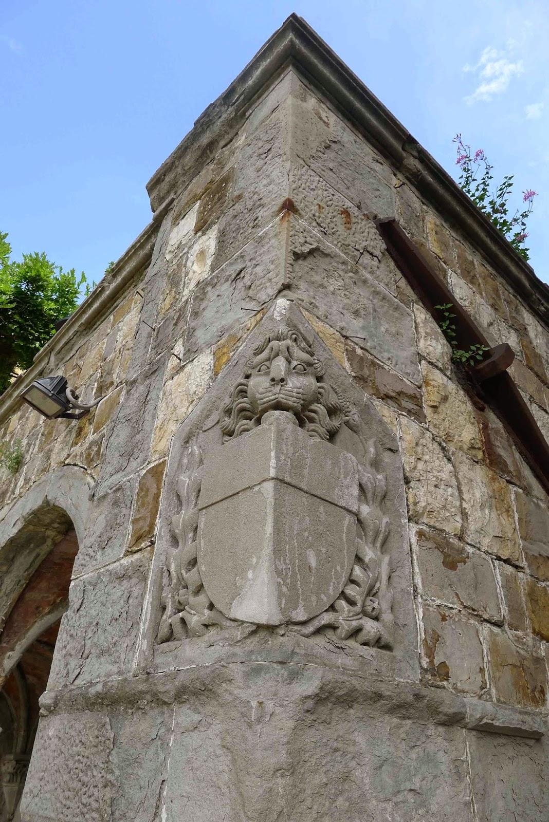 Castello di Vincigliata - Crest