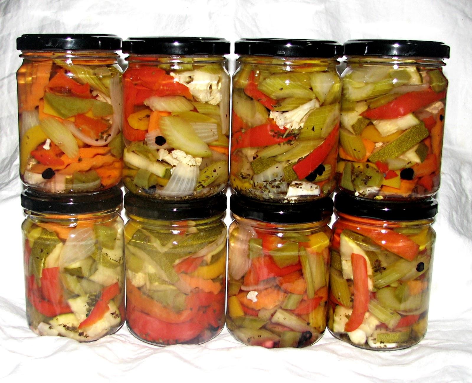 food preserving jardini re pickled garden vegetables. Black Bedroom Furniture Sets. Home Design Ideas
