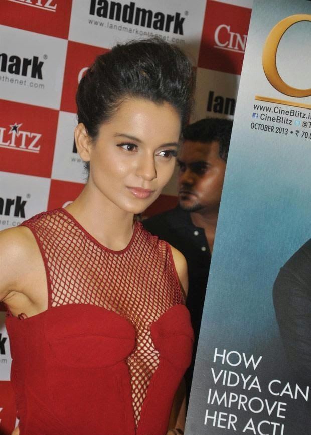 kangana Ranaut without bra huge cleavage seen exposed wardrobe malfunction pics hd