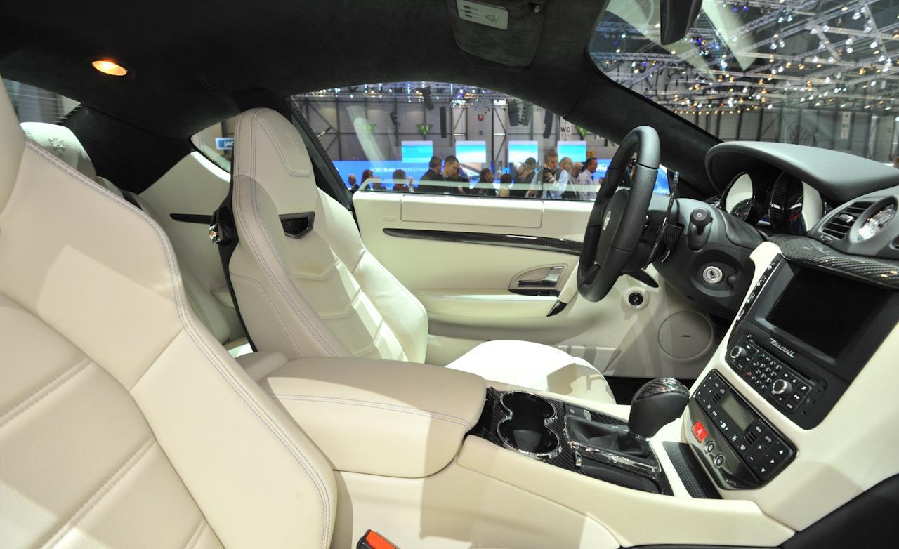 Maserati granturismo 2012 for Maserati granturismo s interieur