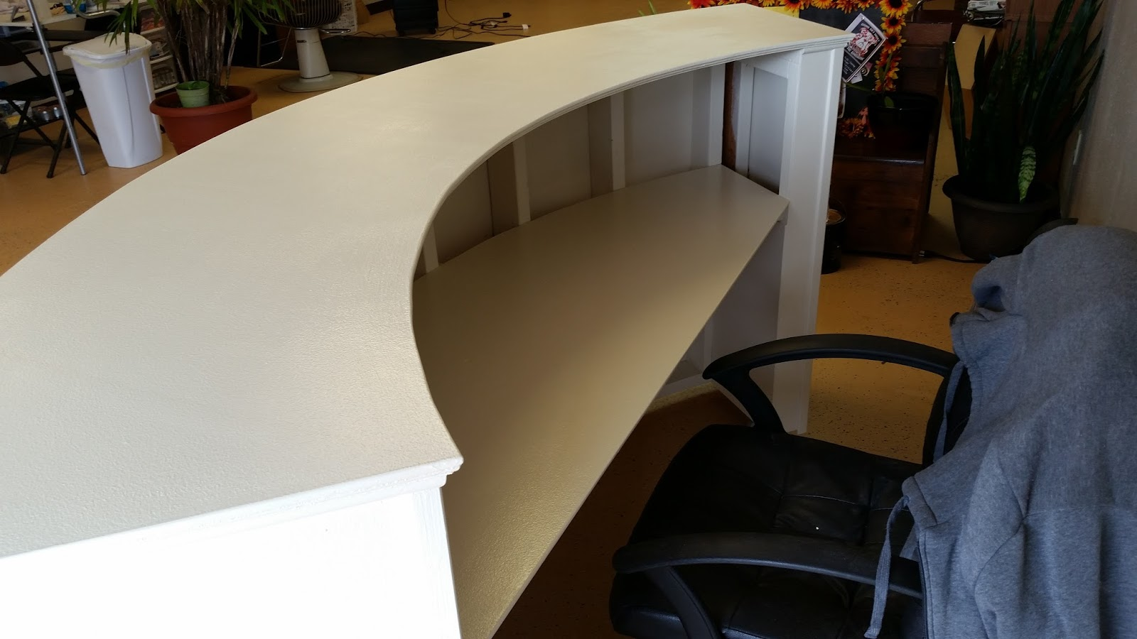 Handyman how 2 building a round reception desk round reception desk solutioingenieria Gallery