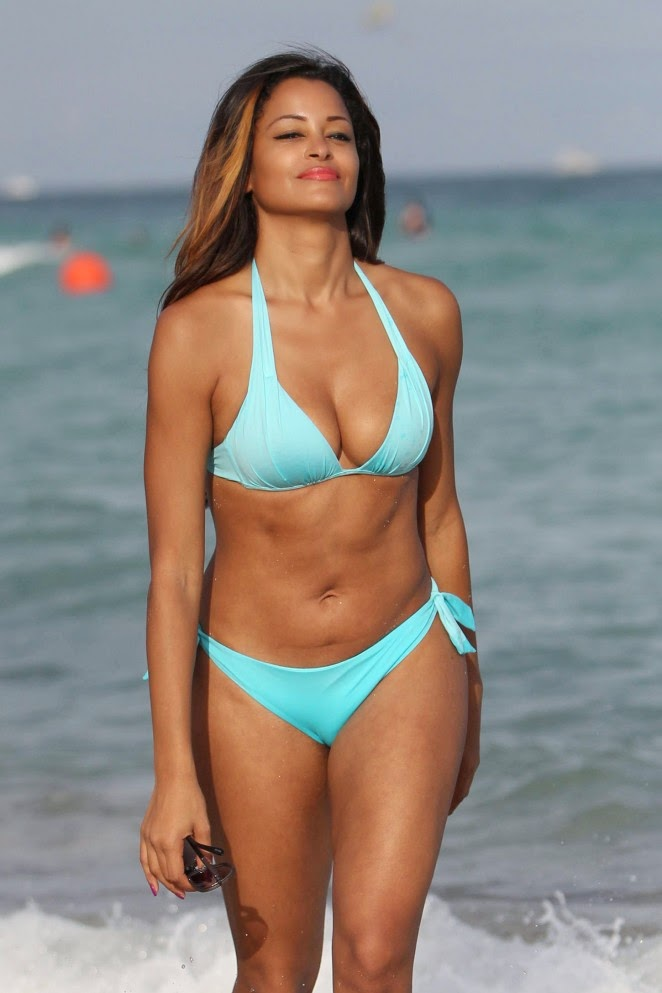 Claudia Jordan – Wearing Bikini on the Beach in Miami