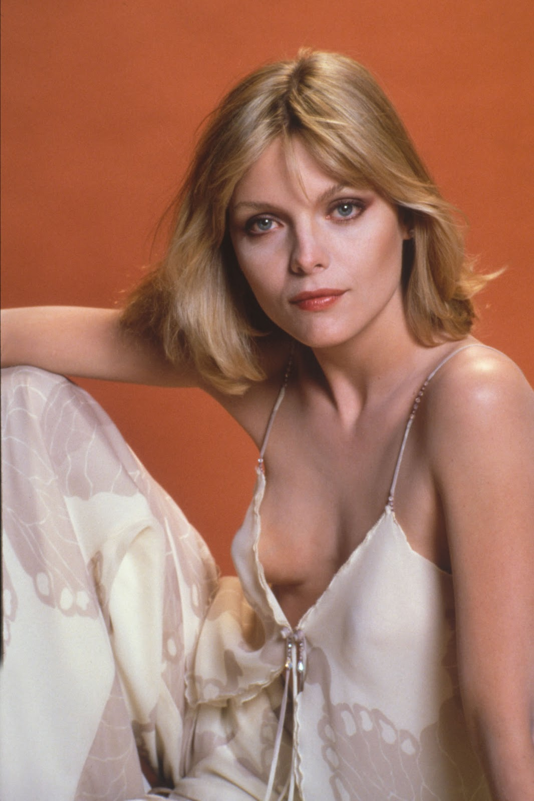 Michelle Pfeiffer As Young Woman 5