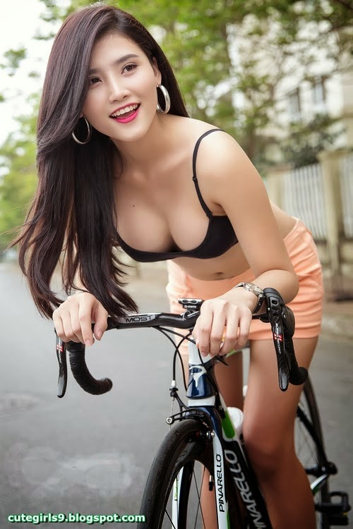 Cute Girl Big Tits - Free Porn Videos - YouPorn